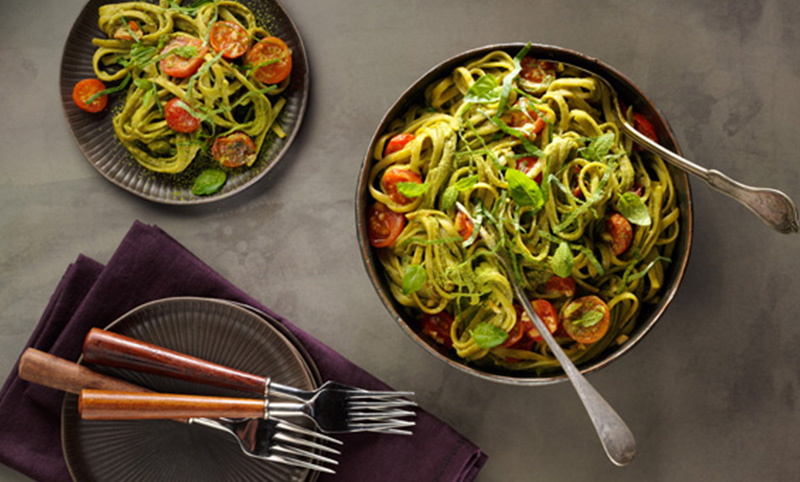 Linguini And Tomatoes With Matcha Cheezy Cashew Cream Sauce | Sugimoto Tea Company